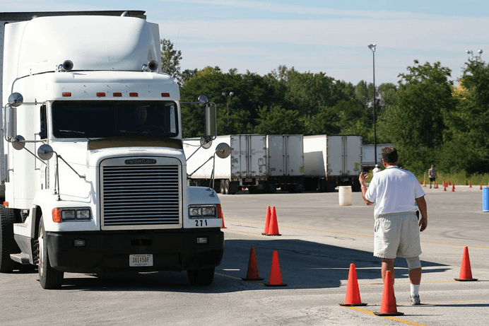 trucking-companies-pay-cdl-training