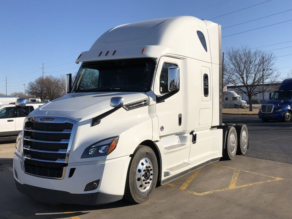 Which Truck Manufacturer Is Better Kenworth Vs Freightliner Vs